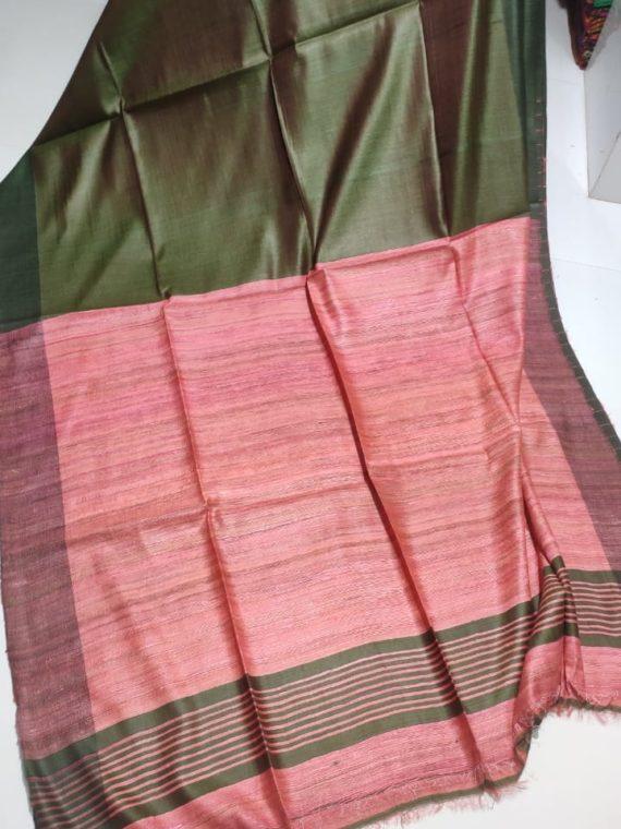 Plain-Mehendi-Green-Tussar-Giccha-Saree-with-Contrast-Pink-Pallu
