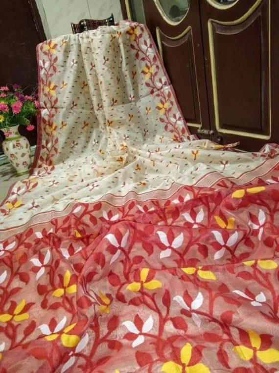 Marvelous White Soft Dhakai Jamdani Saree With Contrast Pallu