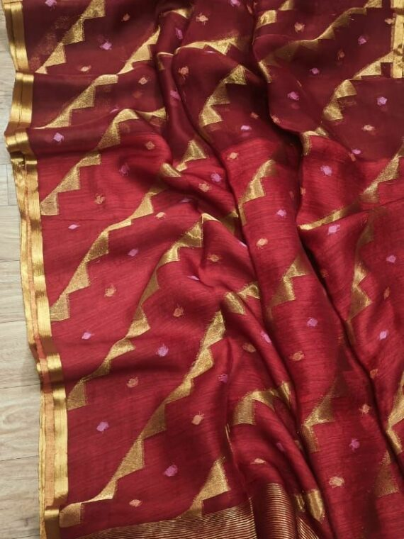 Alluring Deep Red Pure Muslin Handloom Saree For Special Occassions