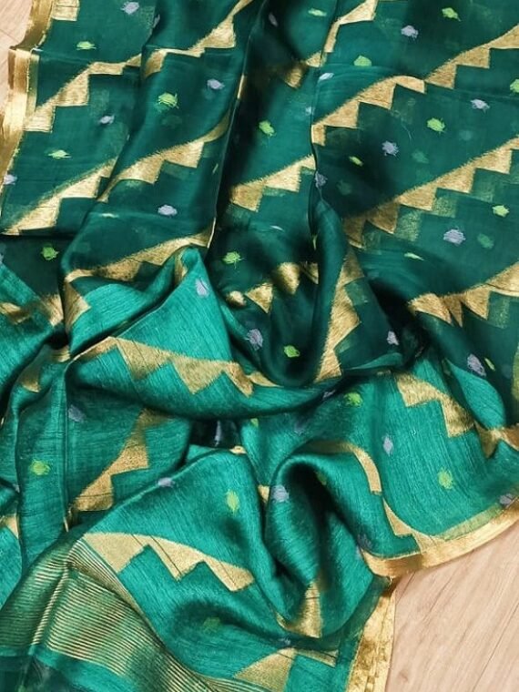 Luminous Green Pure Muslin Handloom Saree For Special Occassions