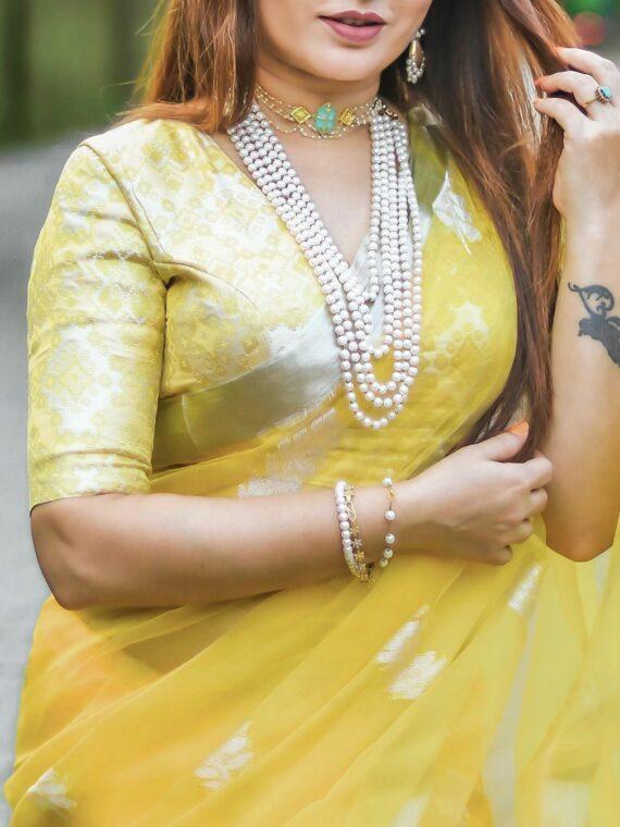 Glorifying Yellow Tamarind Leaf Design Resham Muslin Silk Saree2